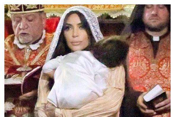 Estas son fotos de su bautizo en Jerusalén.