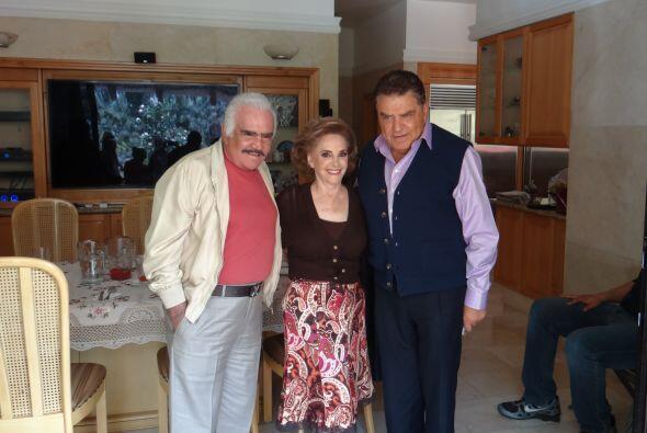 La sonrisa de los tres, muestra la gran amistad que hicieron con nuestro...