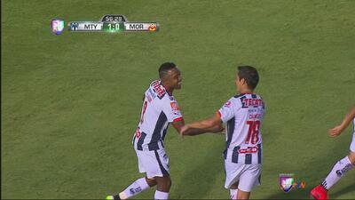 El portero Carlos Felipe Rodríguez se come el gol en el Monterrey vs. Mo...
