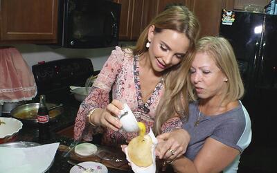"""Orgullosa de ser: Ximena aprendió a hacer las """"arepas de huevo"""""""