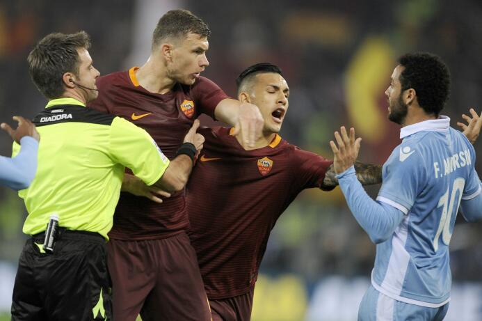 Incluso para los aficionados de otros equipos, el Derbi de Roma es uno d...