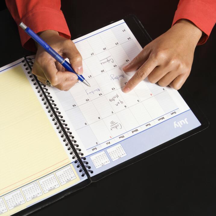 Llevar una agenda es una buena manera de organizar tu tiempo, aunque ten...