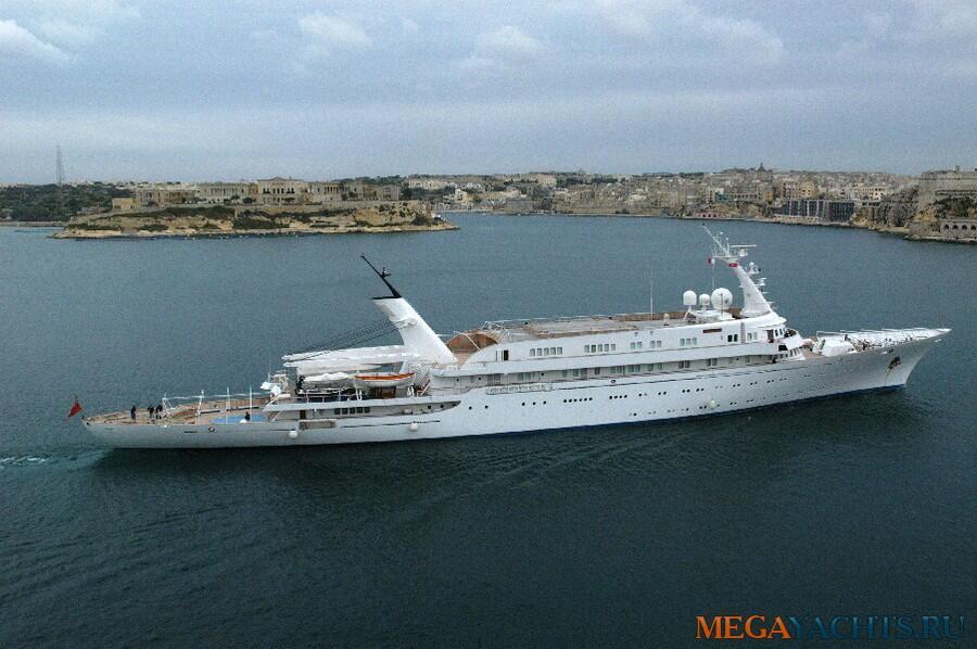 El Atlantis II está valuado en unos 100 millones de dólares, posee 13 ha...