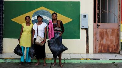 Sin gasolina, internet ni dinero: así llegan a Brasil miles de venezolanos tras recorrer una peligrosa ruta