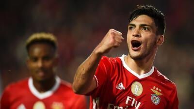Raúl Jiménez volvió a marcar con el Benfica, ahora el cliente fue el Moreirense