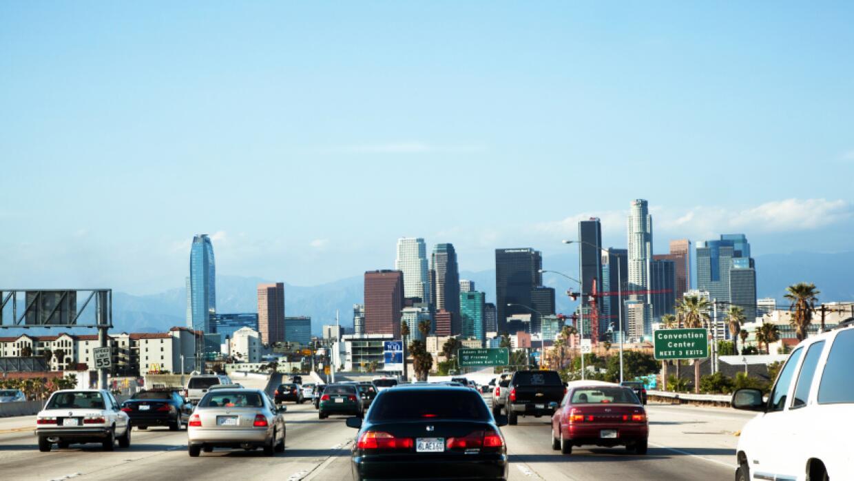 """Los Ángeles lidera la lista de """"cuellos de botella"""" de tráfico del país..."""