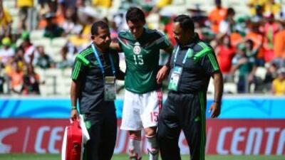 Hétor Moreno se fracturó en el juego contra Holanda.