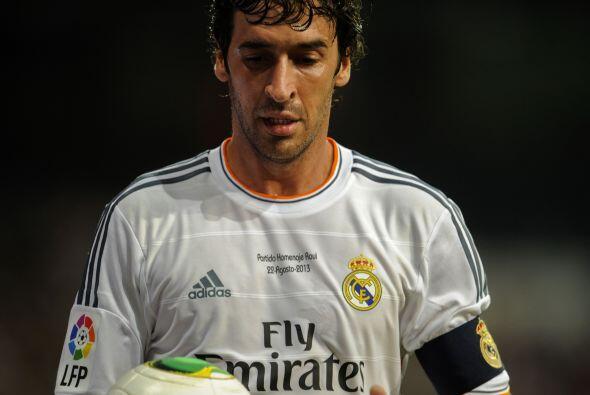 La fiesta 'merengue' del trofeo Santiago Bernabéu en este 2013 se dedicó...