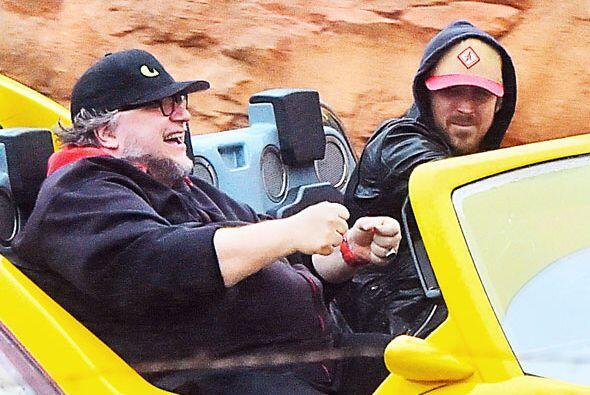 Pasearon en la nueva atracción Radiator Springs Racers del Disneyland's...