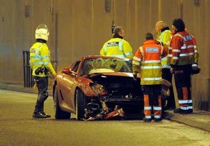 Ni el jugador, que logró abandonar el coche sin ayuda, ni ninguna otra p...