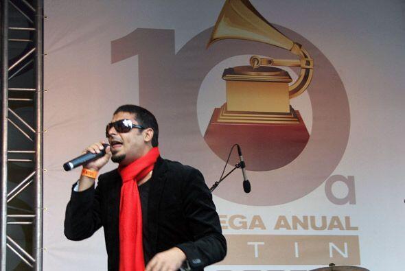 Despues estuvo en el escenario el cubano Elain.