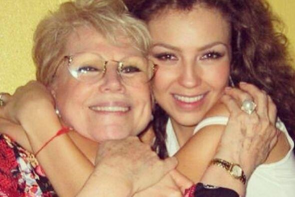 Thalía recordó a su madre, Yolanda Miranda, a dos años de su fallecimiento.