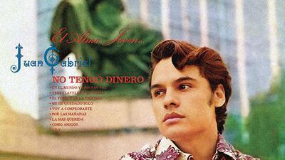 """En fotos: """"Te pareces tanto a mí"""", Juan Gabriel en las portadas de sus discos"""