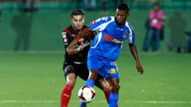 Alajuelense y Arabe Unido empataron en el duelo de ida de los cuartos de...
