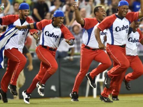 Cuba ganó hoy su primera Serie del Caribe de Béisbol en 55...