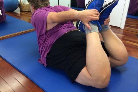 Hay ejercicios de estiramiento que el Gordo realiza para poder calentar...