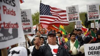 Inmigrantes indocumentados marchan para pedir al Congreso una reforma mi...