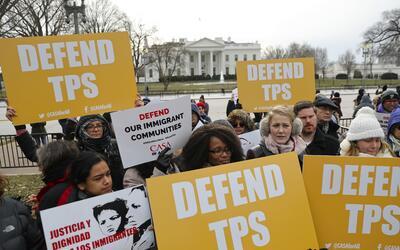 Imagen de archivo de una manifestación a favor del TPS frente a l...