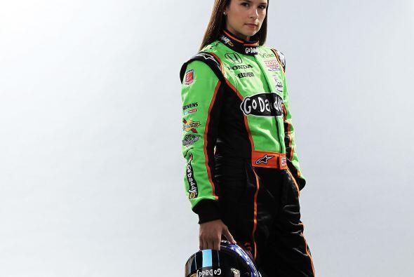 Danica Patrick es la mujer más exitosa del automovilismo, gracias a su p...