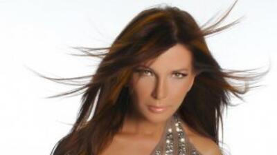 Escucha lo nuevo de Ámbar, quien podría ser la Artista Tropical Femenino...