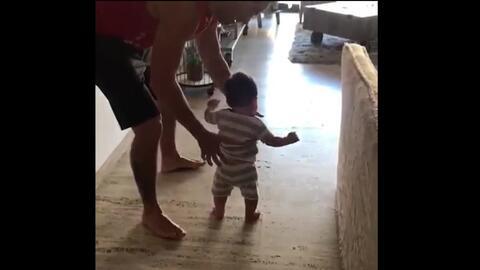 En video: los dulces primeros pasos del hijo de Poncho Herrera