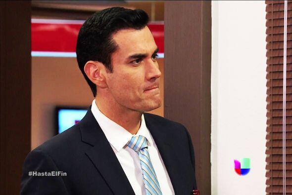 Chava no es nada tonto y sabe muy bien que le estás viendo la cara a Sof...