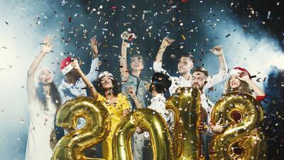 Cómo prepararte para poder cumplir tus propósitos de año nuevo según tu signo zodiacal