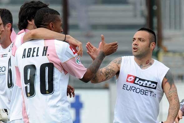 A tres minutos del final perdía, pero con goles de Abel Hernández y Fabr...