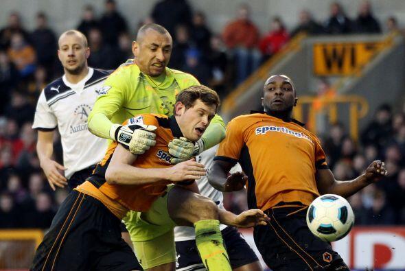 Vaya que se dieron con todo en el juego entre Tottenham y Wolverhampton,...