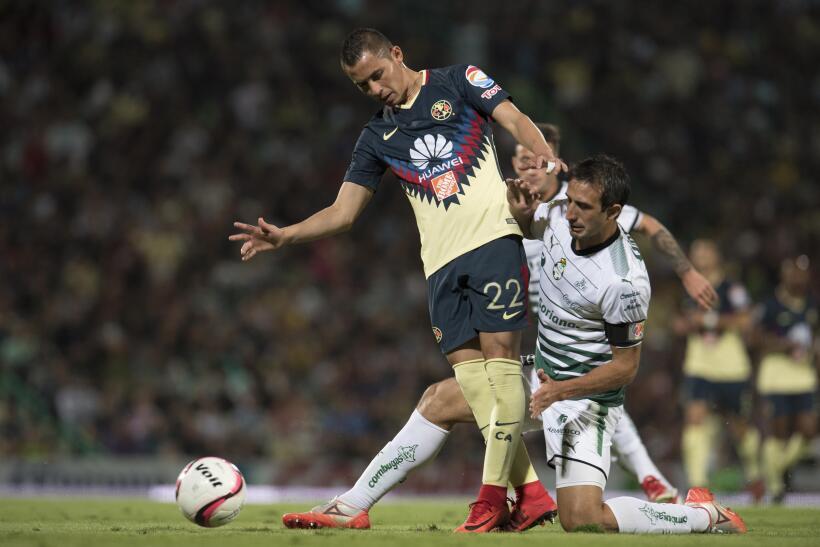 Con dedicatoria para Cruz Azul, América vence 1-0 a Santos 20171119-4499...