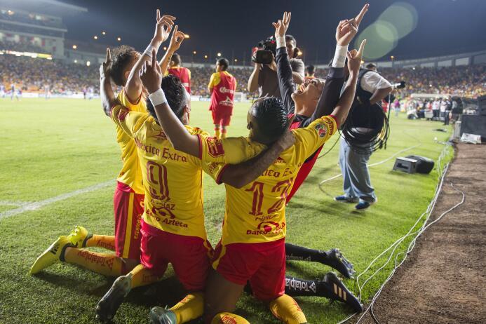 Juegazo y feria de goles entre Morelia y Tigres raul-ruidiaz-de-morelia-...