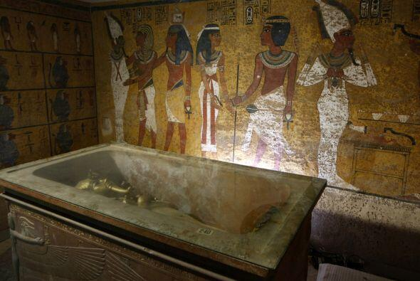 Se cree que los egipcios construían así sus sepulcros, porque conocían l...
