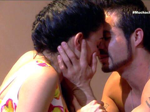 ¡Gianna y Roxana tienen una nueva rival de amores! 35008CEE89F647DC9B5C2...