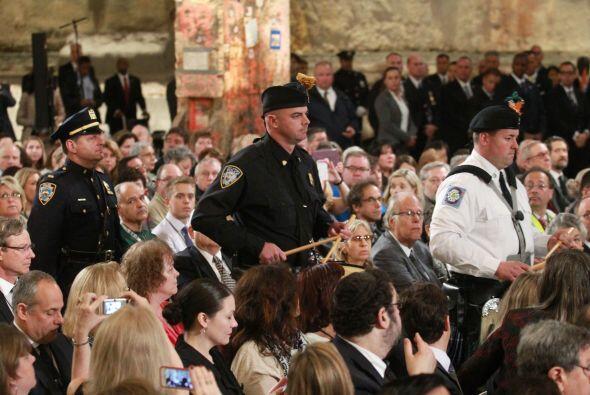 La Guardia de Honor arriba la ceremonia.