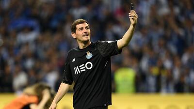 """Iker Casillas sobre su retiro: """"Quiero seguir jugando"""""""