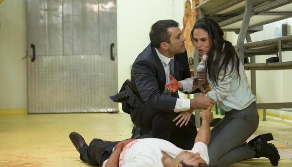 Ni la muerte puede apagar el fuego de la pasión entre Griselda y Richi....