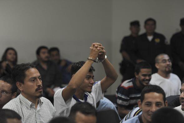 El tribunal especializado de sentencia de la capital exoneró a ot...