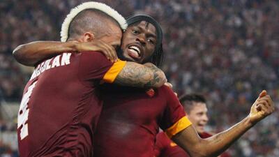 El equipo gialloroso se impuso a la Fiorentina en el arranque de la Seri...