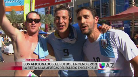 Pasión abrasa a fanáticos de México y Uruguay fuera del estadio