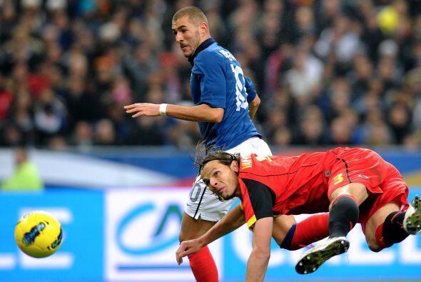 Karim Benzema no tuvo fortuna de cara a la puerta contraria.