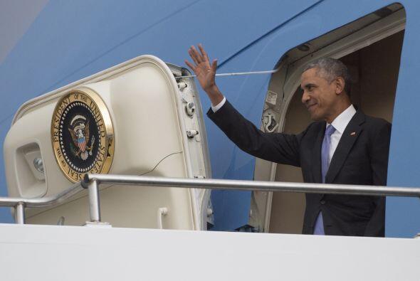 La llegada del presidente de EEUU a Etiopía, a bordo del Air Forc...
