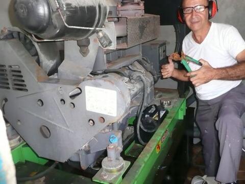 Rafael Pitre es presidente de la asociación de pescadores del Bar...