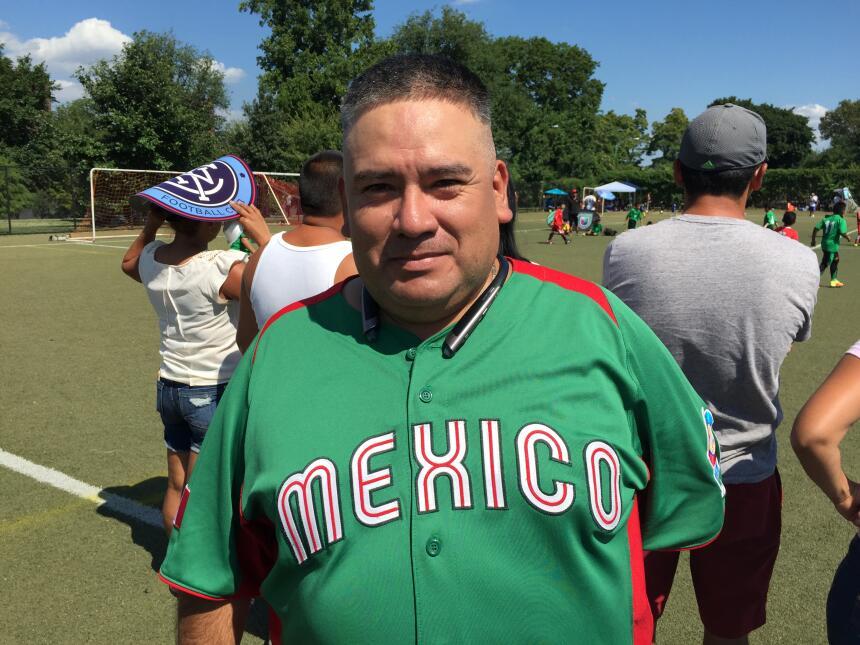 Hilario Domínguez no fue a trabajar para apoyar a su hijo