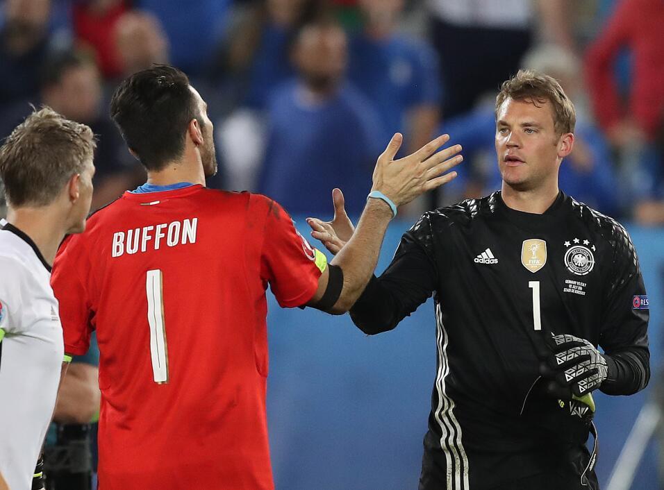 ¡Respect! Buffon respondió con aplausos a los abucheos y silbidos italia...