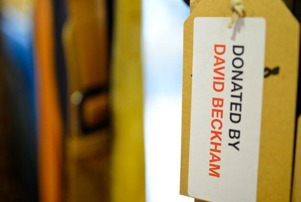 David y Victoria Beckham donaron parte de su guardarropa a la Cruz Roja...
