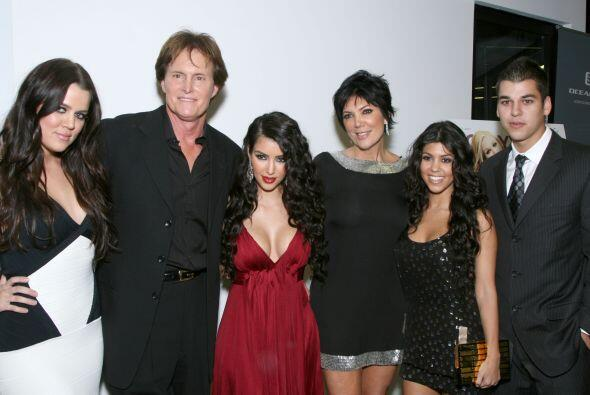 Pertenecer al clan Kardashian no debe ser nada sencillo. Lucir siempre g...