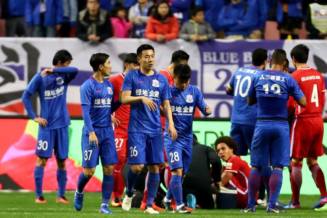 Este jugador chino fue suspendido seis meses por un simple pisotón Getty...