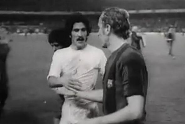 Hablando de planchas, uno de los centrales históricos del Real Madrid fu...