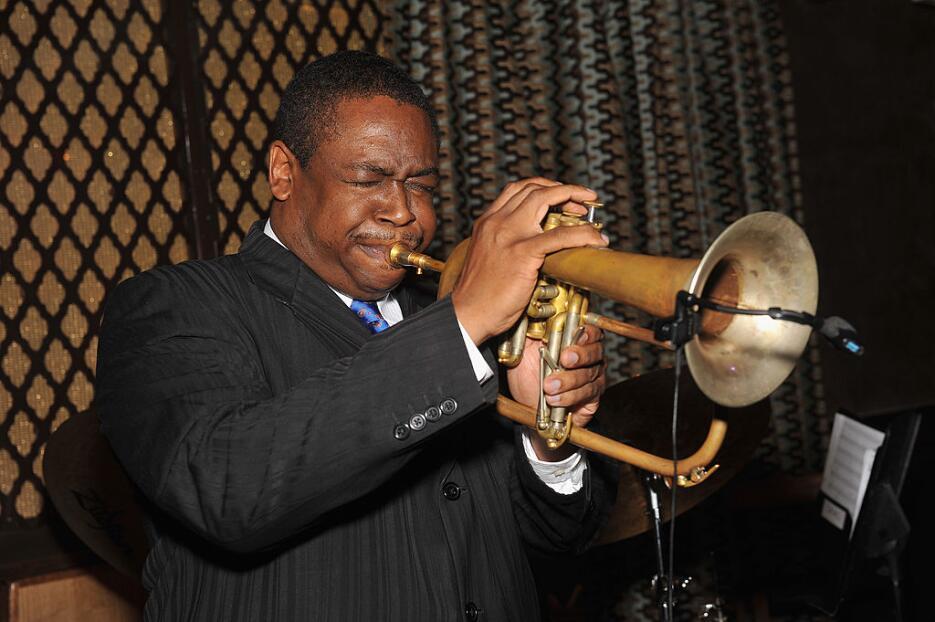Imagen de un músico en Harlem donde de viernes a domingo se realiza el H...