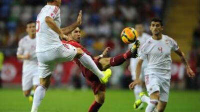 Bekim Balaj le dio la victoria a Albania en el arranque de las eliminato...
